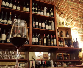 Wine and Food Tasting - Group Guided Tour in Milan, Italy